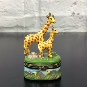 Giraffe Mom & Baby Hinged Trinket box hand painted